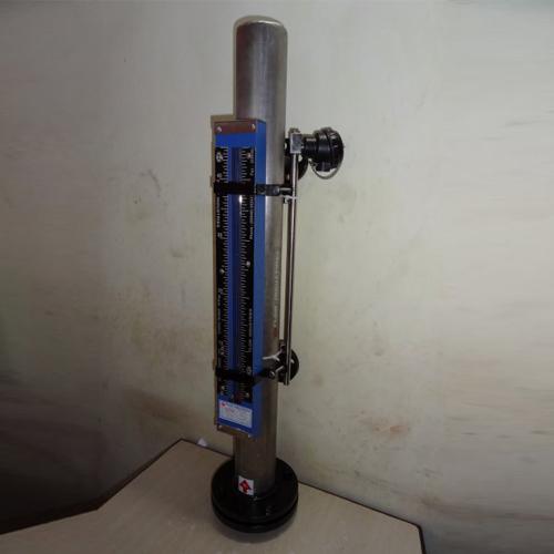 side-mounted-tubular-level-gauge1